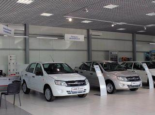 Продажи автомобилей в Петербурге упали до уровня 2010 года