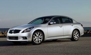 Infiniti переименовала седан G37 в Q40