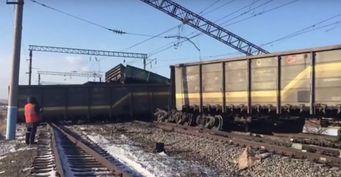 Три человека погибли в ДТП с поездом с грузовиком в Амурской области