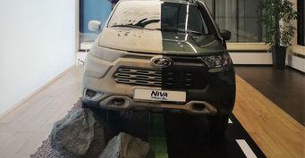 Проблеме 44 года: Дефектный дворник наLADA Niva Travel «АвтоВАЗ» показывает покупателям