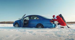 Снега поколено. Кадр: YouTube-канал «Ильдар Авто-Подбор»