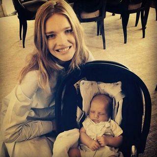 Наталья Водянова впервые показала лицо младшего сына