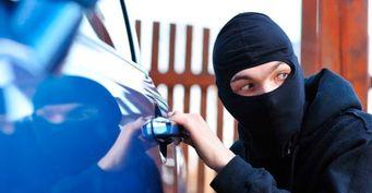 Путин подписал закон, обязующий угонщиков возмещать ущерб за повреждение авто