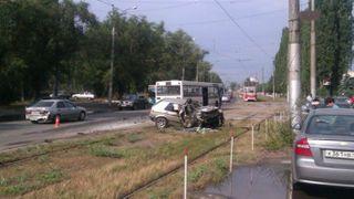 В Липецке маршрутка столкнулась с легковушкой