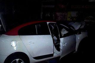 В Ростове автоледи погибла столкнувшись с домом на своей «Renault Fluence»