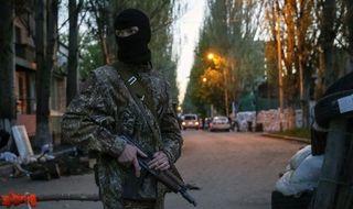 В Славянске загорелись два жилых дома