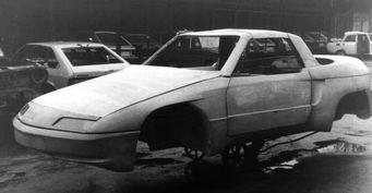 Спорткар из 90-х: Стало известно, как инженеры АЗЛК собирали секретный «Москвич» «Велар»
