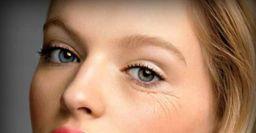 Морщины вокруг глаз «сотрут» три маски из подручных компонентов