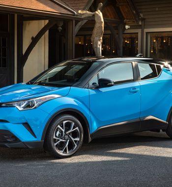 Хорош и без полного привода: Особенности Toyota C-HR 2018 вдеталях