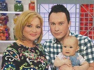 Светлана Пермякова увезла дочь и мужа в деревню