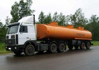 В Южно-Сахалинске мужчина угнал бензовоз с топливом