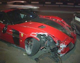 В Москве «Феррари» протаранила 3 автомобиля
