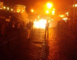 В Луганске возле здания ГАИ взорвали и расстреляли шесть автомобилей