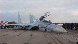В Приморье Су-27 совершил аварийную посадку из-за отказа шасси
