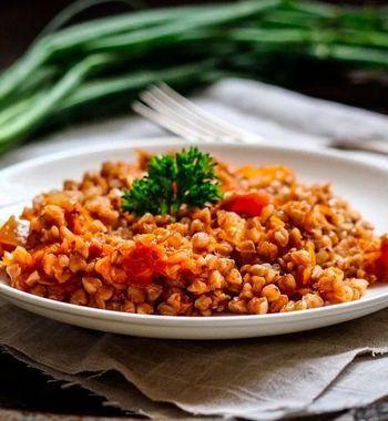 Для гречки и риса. Рецепт томатной подливки к гарниру