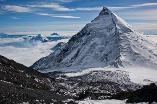 Два альпиниста пропали около Ключевской группы вулканов на Камчатке