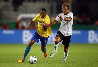 В Бразилии после проигрыша футбольной сборной задержаны 11 фанатов