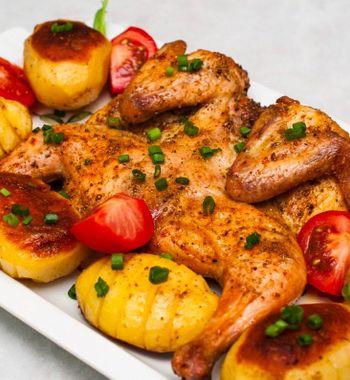 Картошка с курицей и овощами в духовке — на смену Жаркое