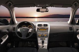 Фото: салон Toyota Corolla 2008 года, источник: Toyota