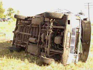 В Вологодской области микроавтобус с 14-ю пассажирами съехал в кювет