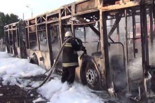 В Киеве загорелся пассажирский автобус, есть сведения о пострадавших