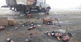 В Ульяновске на Президентском мосту  в ДТП попал грузовик с шампанским
