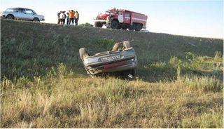 В Новгородской области двое мужчин погибли после ДТП с вылетом в кювет