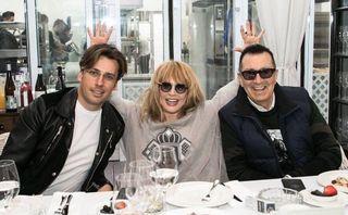 Фото: Максим Галкин, Алла Пугачева и Александр Буйнов. Источник: rus.jauns.vl