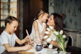 Хорошие отношения между детьми - заслуга родителей. Источник изображения: pexeles.com