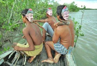 Фото: открытый источник / специальные маски от тигров в Индии