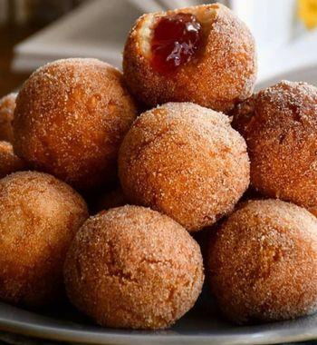 Рецепт вишнёвых сырников «идеально» круглой формы