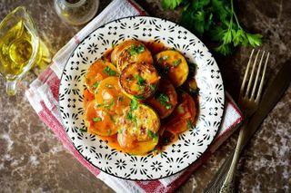 Жареные кабачки под томатным соусом | Фото: Одноклассники, «Сейчас ябуду готовить…»