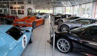 В Петрозаводске директор автосалона присвоил деньги клиентов и их машины