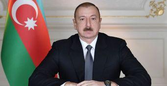 Президент Азербайджана трусливо сбежал изстраны, оставив Баку туркам— инсайдер