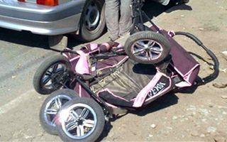 В Челябинске иномарка сбила женщину с двойней в коляске