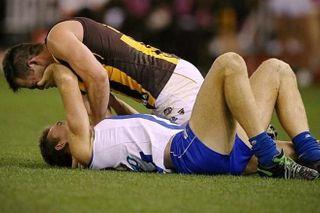 Австралийский футболист отстранен от игры за попытку задушить игрока