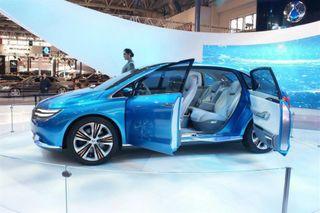 Daimler совместно с BYD подготовил электромобиль с запасом хода в 300 км