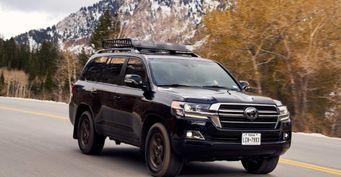 Ждать 3 месяца и«допы» от300 000: Дефицит Toyota Land Cruiser вавтосалонах РФрасстроил водителей