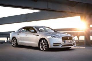 Jaguar провел первые тесты нового седана XE