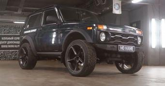 «Нива-Бомба» сначинкой BMW: Обзором внедорожника поделилась «Лиса»