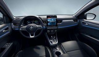 Фото: Салон европейской Renault Arkana