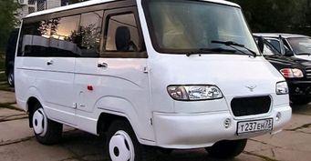 «Буханка-иранка»: Редкий УАЗ-452 для Ближнего Востока показали вСети