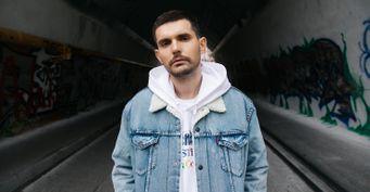Власти закрыли Noize MCвыход нарадио иТВиз-за скандальной песни о«политшапито»