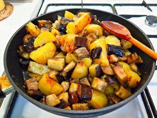 Картошка по-сибирски с баклажанами\Источник: manowarsoulfoodkitchen