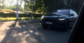 Новый кроссовер Audi Q8 проходит тесты в Подмосковье