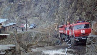 В Дагестане пожарная машина упала с обрыва, 3 человека погибли