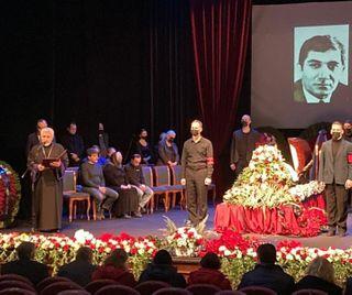 Прощай, Армен. Тыслужил лишь искусству. Фото: mk.ru