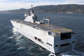 Россия получит от Франции «Мистрали» без боевых технологий