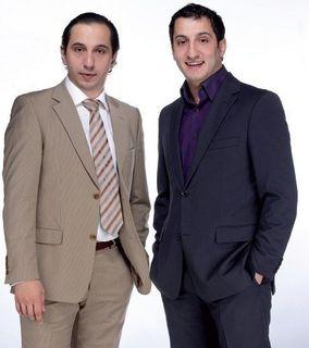 Ашот Кещян с братом Араратом, с которым вместе играли в РУДН. Источник фото: https://zakazartistov.com/