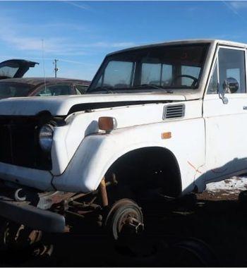 Нашибы восстановили: Легендарный Toyota Land Cruiser 1971 года выбросили насвалку